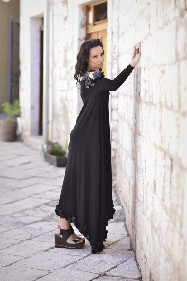 duga dekonstruirana haljina, za svaku prigodu, za svako godisnje oba, dugih rukava, sa pvc aplikacijama na ramenima, golih ramena, dostupna u svim velicinama i u vise boja, nova kolekcija