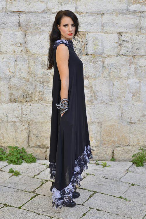 crna asimetrična haljina Sani design dekontrukcija