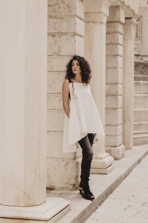 bluza, tunika, dekonstruirana, u bijeloj i crnj boji, nova kolekcija, pamuk, prirodni materijal