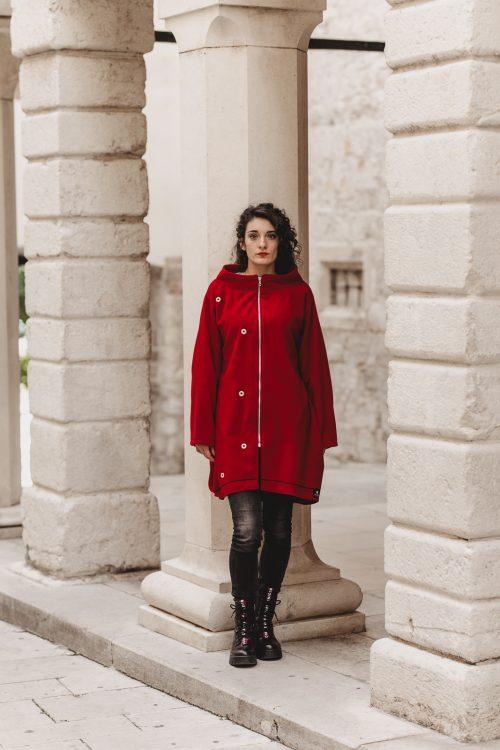 crveni kaput, za zimu i jesen, od prirodnog materjala, drukeri kao ukrasi, rinčice, ringovi, nova kolekcija, imamo u vise boja i svim velicinama