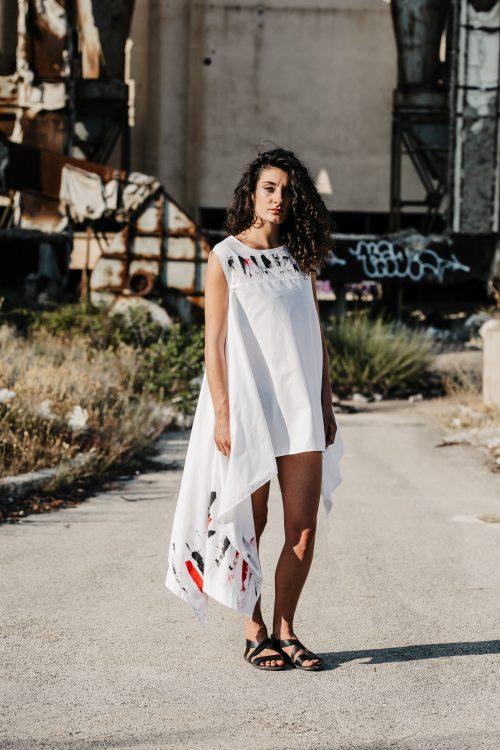 asmetrična, bijela majica, tunika, dekonstrirana, ručno slikana, dostupna u svim veličinama